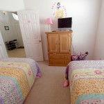 Twin-Princess-Bedroom-2